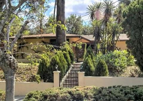 Completely Remodeled with Pool, Priced 4 Fast sale