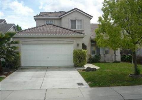 A Place to Call Home! Close to Shopping and Freeway!