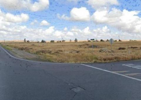 7 - 12 - 13 TOTAL 32 ACRES . ZONE R - 1 MAIN STREET Level Land